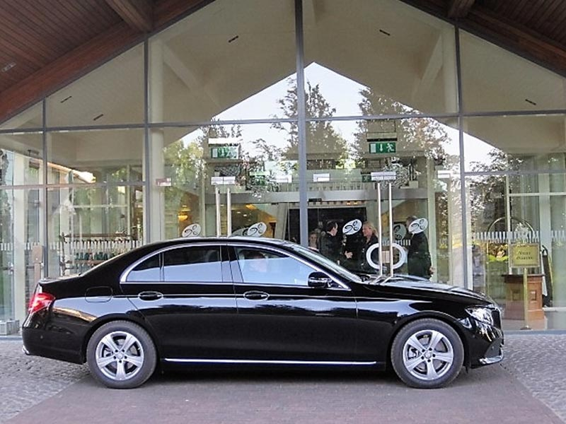 Private chauffeur tours