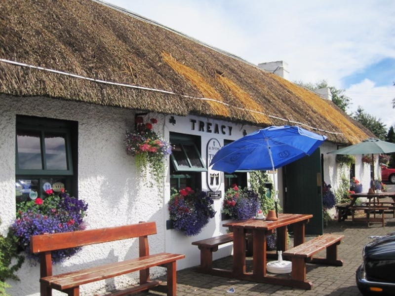 traditional-irish-pub